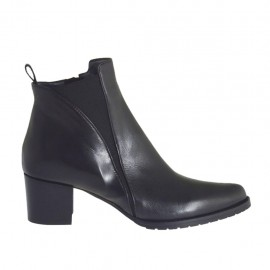 Woman's pointy ankle boot with elastic band and zipper in black leather heel 5 - Available sizes:  32, 33, 34, 42, 43, 44