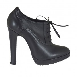 Woman's laced shoe with platform in black leather heel 10 - Available sizes:  31, 33