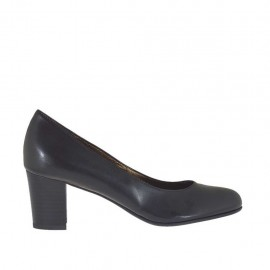 Woman's pump in black-colored leather with block heel 5 - Available sizes:  32, 33, 34, 42, 43, 44, 45