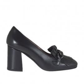 Chaussure fermée pour femmes avec chaîne et franges en cuir noir talon 6 - Pointures disponibles:  32, 33, 42, 43, 44, 45