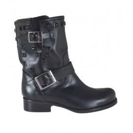 Stivaletto da donna con fibbie e borchie in pelle nera tacco 3 - Misure disponibili: 33, 34, 42, 47