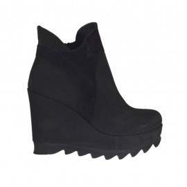 Woman's ankle boot with zipper and platform in black nubuck leather and suede wedge heel 9 - Available sizes:  31, 32, 33, 42, 43, 44, 45