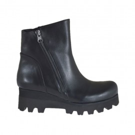 Woman's ankle boot with zippers in black leather wedge heel 5 - Available sizes:  32, 33, 34, 42, 43, 44, 45, 46