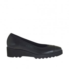 Woman's pump in black leather and patent leather wedge heel 3 - Available sizes:  33, 34, 42, 43, 44, 45