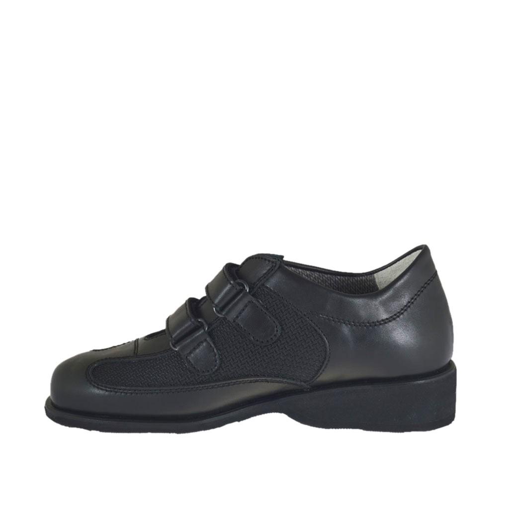 chaussure pour femmes avec velcro et semelle interieur amovible en cuir et tissu noir talon 3