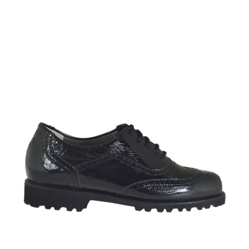 Woman's laced shoe in black patent leather with removable insole heel 3 - Available sizes:  33, 45