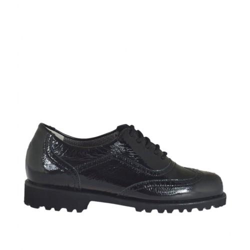 Zapato con cordones y plantilla extraible para mujeres en charol de color negro tacon 3 - Tallas disponibles:  33, 43, 44, 45