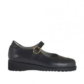 Chaussure avec courroie pour femmes en cuir noir talon compensé 3 - Pointures disponibles:  33, 34, 42, 43, 44