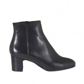 Woman's ankle boot with zipper in black leather heel 5 - Available sizes:  32, 33, 42, 43, 44, 45, 46
