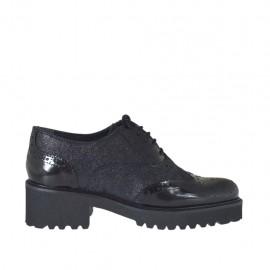 Scarpa stringata da donna modello derby in pelle abrasivata e stampata glitterata nera tacco 5 - Misure disponibili: 42, 43