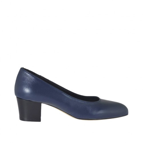 Woman's pump in blue leather heel 4 - Available sizes:  43, 44, 45