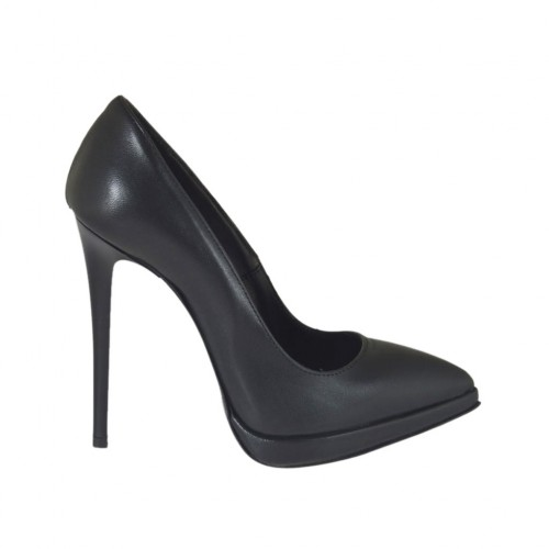 ?Woman's pointy pump in black leather with platform and heel 11 - Available sizes:  42