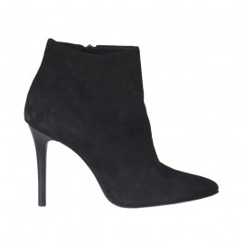 Woman's ankle boot with zipper in black suede heel 9 - Available sizes:  31, 47
