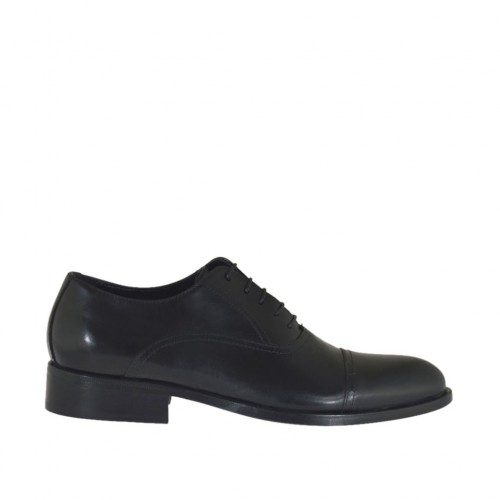 Elegant men's Oxford shoe with laces and captoe in black leather - Available sizes:  36, 37, 38, 46, 47, 48, 49, 50