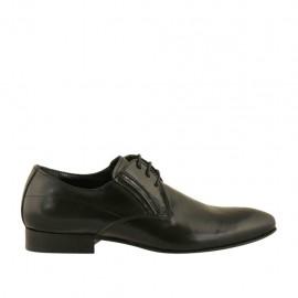 Eleganter Herrenschnürschuh im Derbystil mit Gummibändern und spitz-zulaufender Spitze aus glattem schwarzem Leder - Verfügbare Größen:  36, 37, 38, 46, 47, 48, 49, 50