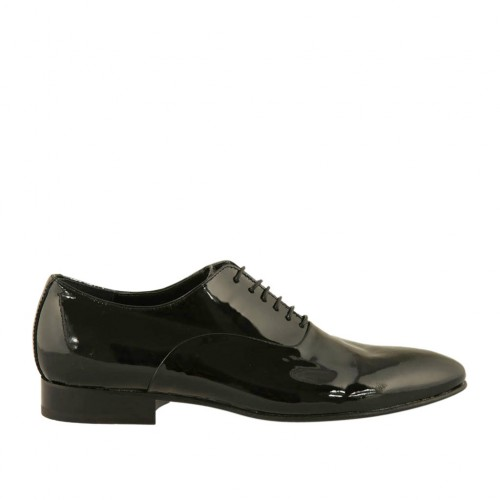 Men's elegant laced Oxford shoe in black smooth patent leather - Available sizes:  37, 38, 47
