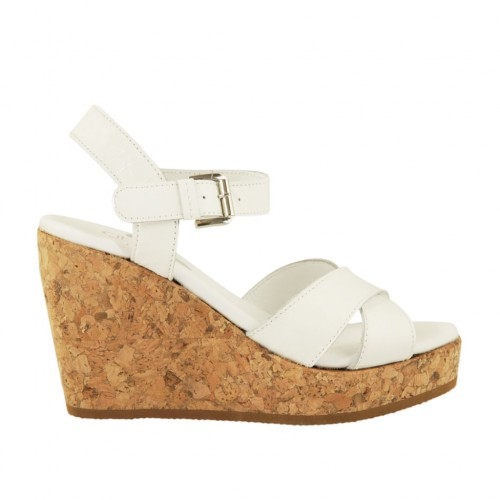 Woman's strap sandal in white patent leather with platform and wedge 9 - Available sizes:  42, 43, 44, 45