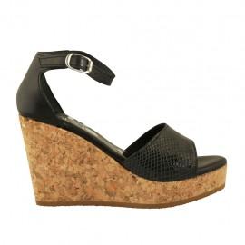 Chaussure ouvert pour femmes avec courroie et plateforme en cuir et cuir verni imprimé noir talon compensé 9 - Pointures disponibles:  32, 33, 34, 42, 43, 44, 45