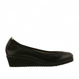 Woman's pump in black leather wedge heel 4 - Available sizes:  42, 43, 44