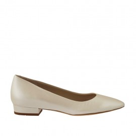 Woman's pump in ivory pearled leather heel 3 - Available sizes:  33, 34, 42, 43, 44