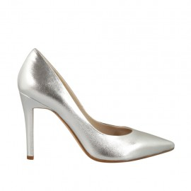 Woman's elegant pump in silver laminated leather heel 9 - Available sizes:  32, 33, 34, 42, 43, 44, 46