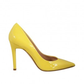 Woman's pump in yellow patent leather heel 9 - Available sizes:  33, 34, 42, 43, 44, 46