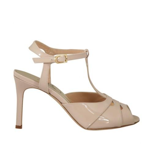 Sandalo da donna con cinturino in vernice nude tacco 8 - Misure disponibili: 42, 44
