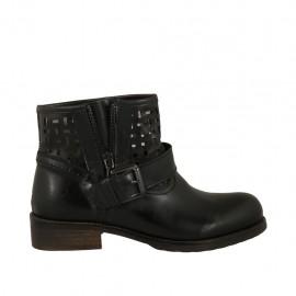 Bottines basses pour femmes avec boucle en cuir et cuir perforé noir talon 3 - Pointures disponibles:  33, 34, 42, 43, 44