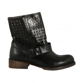Bottines pour femmes avec boucle en cuir et cuir perforé noir talon 3 - Pointures disponibles:  33