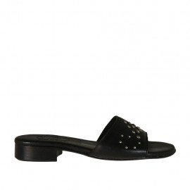 Offene Damenpantolette aus schwarzem Leder mit Nieten Absatz 2 - Verfügbare Größen:  32, 33, 34, 42, 43, 44, 45