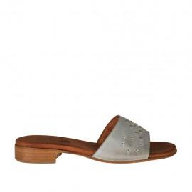 Offene Damenpantolette aus grauem Leder mit Nieten Absatz 2 - Verfügbare Größen:  32, 33, 34, 42, 43, 44, 45