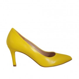 Woman's pump in yellow leather heel 7 - Available sizes:  33, 34, 42, 43, 45