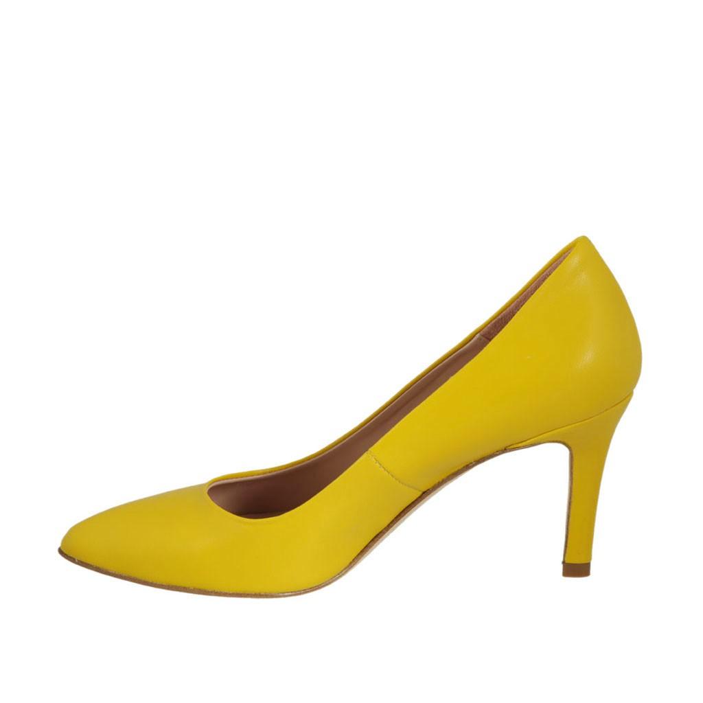 a5e86c91 ... Zapato de salon para mujer en piel amarillo tacon 7 - Tallas  disponibles: 42 ...
