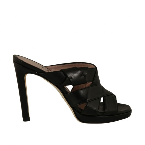Woman's mules in black leather with platform and heel 9 - Available sizes:  32, 33, 43