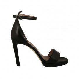 Scarpa aperta da donna con cinturino in pelle nera con plateau e tacco 10 - Misure disponibili: 32, 33, 34, 42, 43, 44, 45