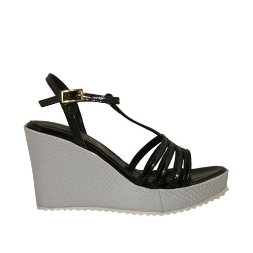 T-strap sandal in black patent leather