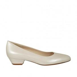 Zapato de salón para mujer en piel de color marfil perlado tacon 3 - Tallas disponibles:  33, 34, 42