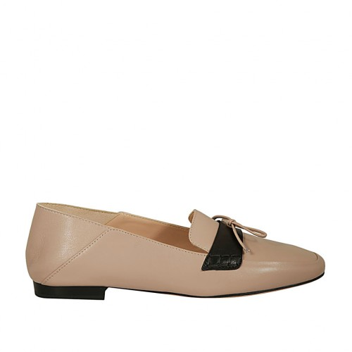 Woman's mocassin in rose and black leather with bow heel 1 - Available sizes:  45