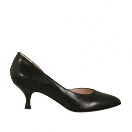 Woman's pump with sidecut in black leather heel 5 - Available sizes:  32, 34, 43, 44
