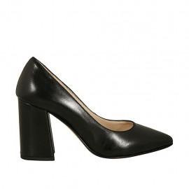 Zapato de salon a punta para mujer en piel negra tacon cuadrado 8 - Tallas disponibles:  33, 34