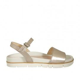 Sandalia para mujer con cinturon en piel laminada platino cuña 2 - Tallas disponibles:  42, 43, 44, 45, 46