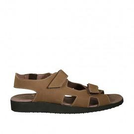 Sandale pour hommes avec deux bandes de fermeture velcro en nubuck taupe - Pointures disponibles:  46, 47, 48, 49, 50