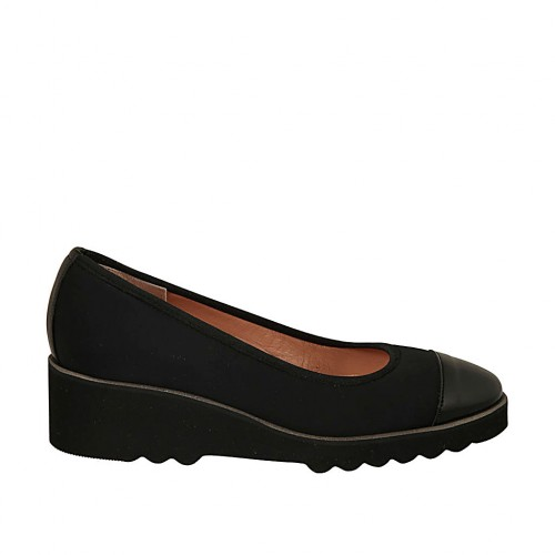Woman's pump in black fabric with toecap in patent leather wedge heel 4 - Available sizes:  34, 42