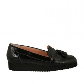 Woman's moccasin shoe with tassels in black patent leather wedge heel 2 - Available sizes:  32, 34