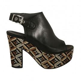 Sandalo accollato con plateau in pelle nera con zeppa rivestita multicolore effetto optical tacco 10 - Misure disponibili: 32, 33, 34, 42, 43, 44, 45, 46