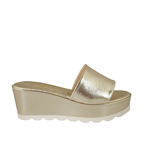 Woman's open mules in platinum laminated patent leather wedge heel 6 - Available sizes:  43