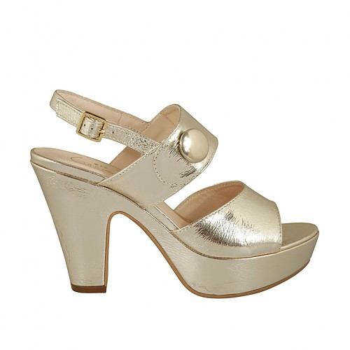 Woman's sandal with button and platform in gold patent leather heel 10 - Available sizes:  32, 33, 43