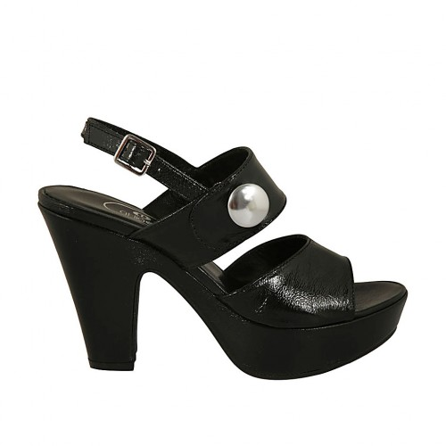 Woman's sandal with button and platform in black patent leather heel 10 - Available sizes:  31, 32, 42, 43