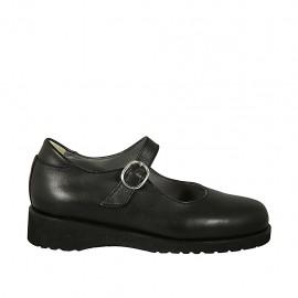 Chaussure avec courroie pour femmes en cuir lisse noir talon compensé 3 - Pointures disponibles:  33, 34, 43, 44, 45