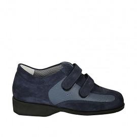 Zapato con velcro para mujer en gamuza azul y piel perforada color azul aviacion cuña 3 - Tallas disponibles:  33, 34, 42, 43, 44, 45